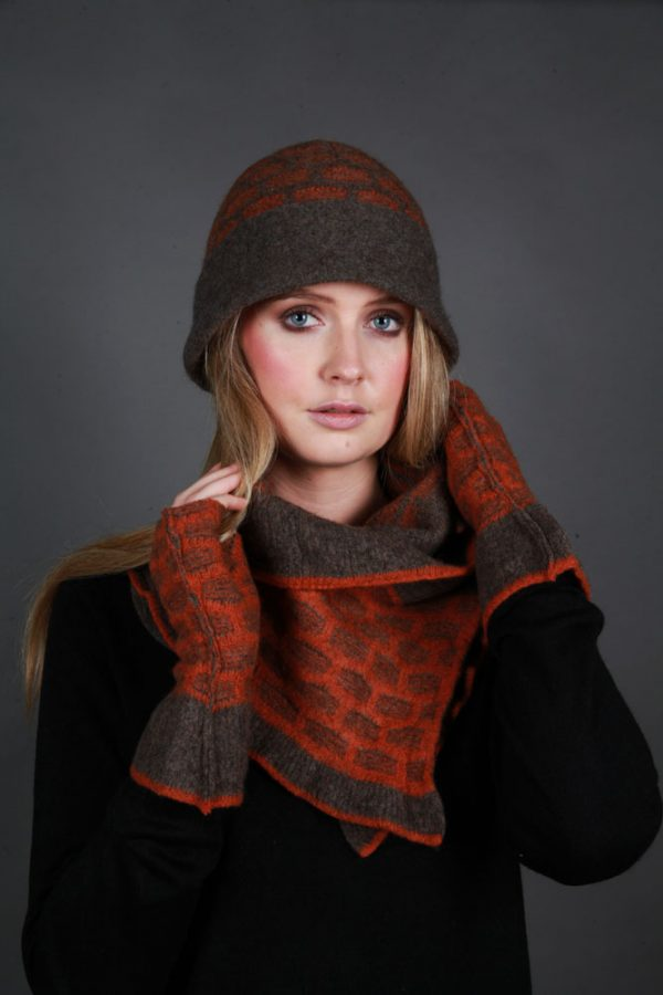 Cloche Textured Hat HAT17-1 Linda Wilson Irish Knitwear Designer