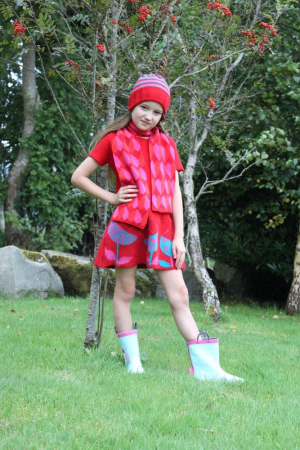Heart Scarf SCF9-1 Linda Wilson Childrens Irish Knitwear Designer
