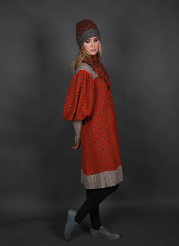 Large Blossom Drop Neckpiece NECK7-3 Linda Wilson Irish Knitwear Designer Limerick