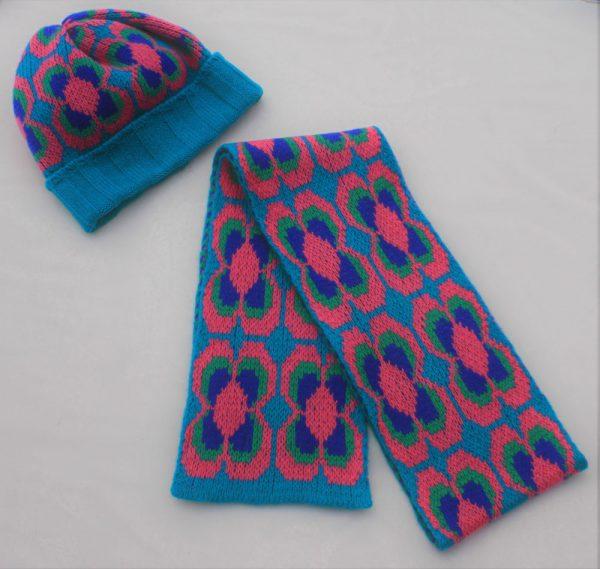 Ribbed Daisy Hat HAT2-2 Linda Wilson Childrens Irish Knitwear Designer