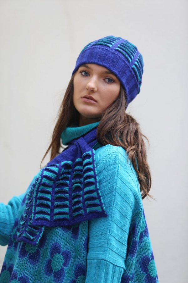 Upside Down Pocket Pull Through Scarf Long 1 Linda Wilson Irish Knitwear Designer Limerick